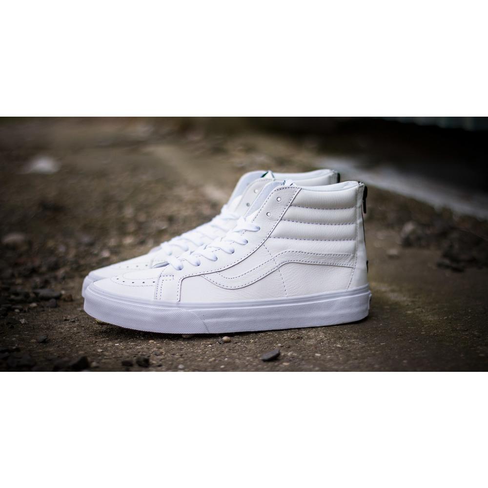 47161c4ea12 ... exquisite style 9d1dc ae905 Čisto biele pánske kožené členkové tenisky  Vans SK8 HI Reiss ...