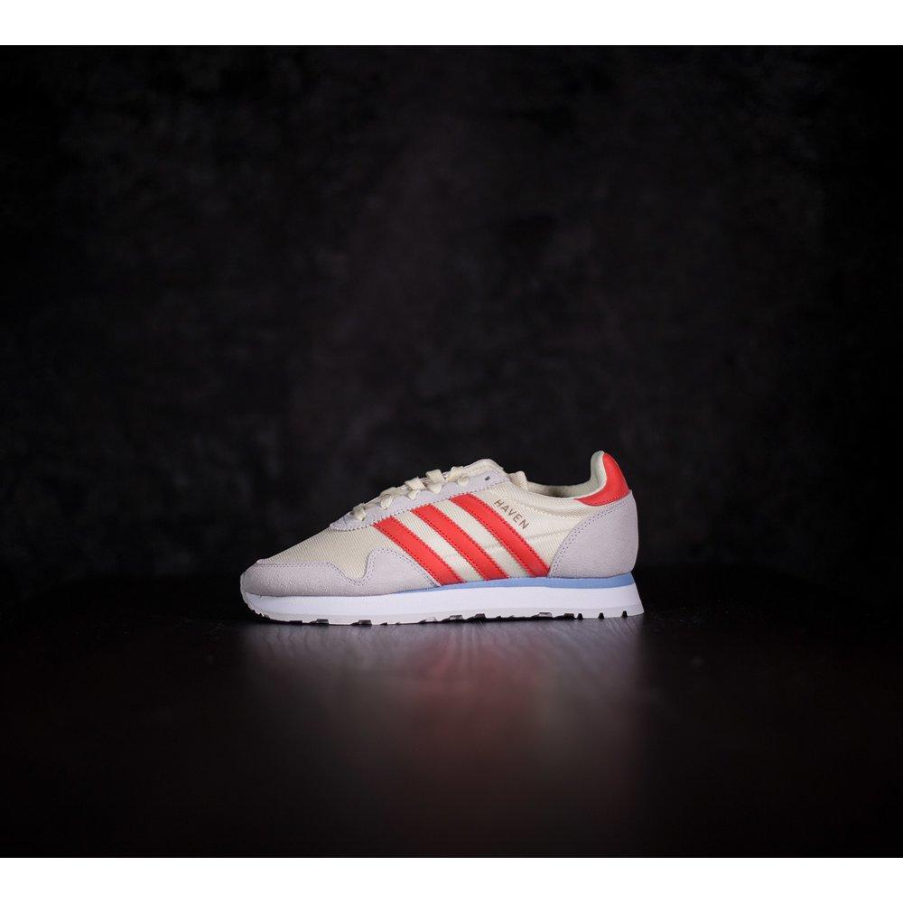 9a220fb95101 Dámske béžové tenisky Adidas Haven s červenými pásikmi adidas s ...