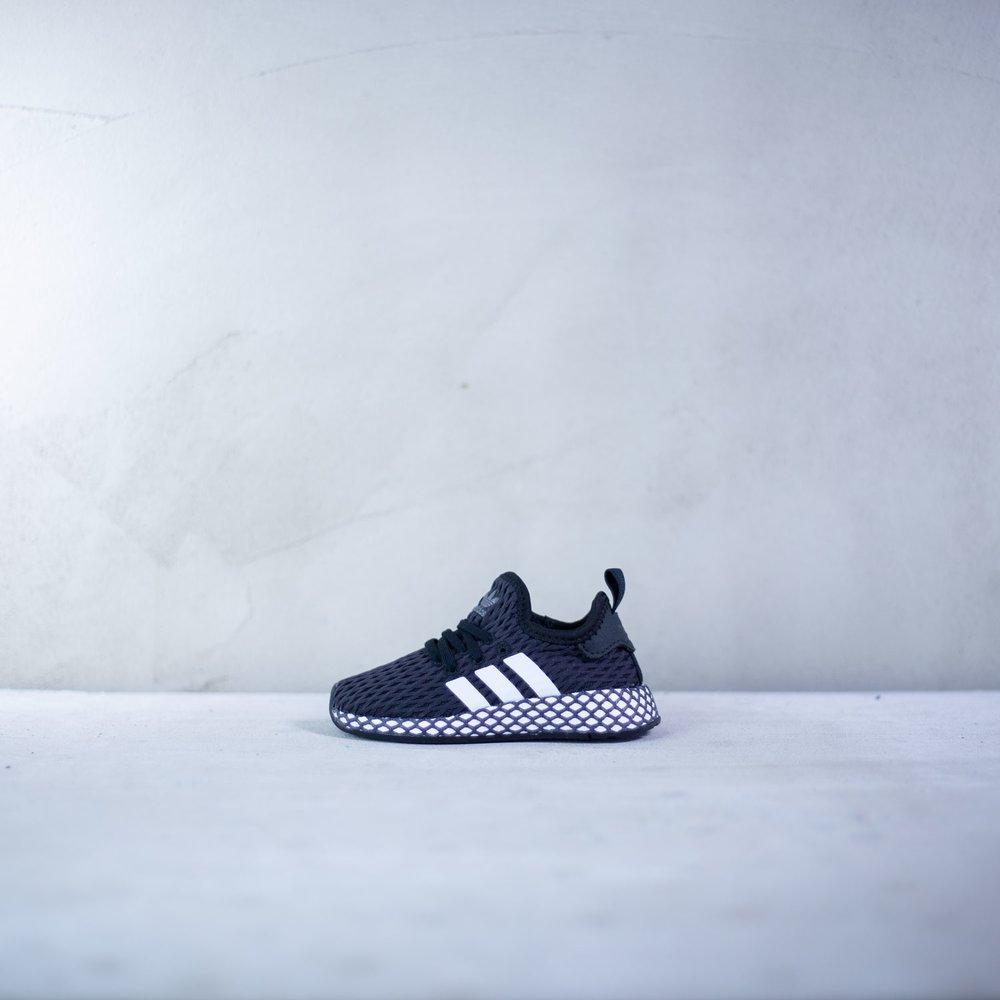 2488bf3001c0 Detské štýlové tenisky Adidas Deerupt Runner I v čiernom prevedení ...